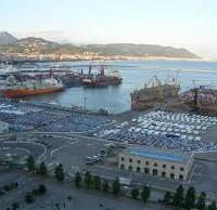 Porto commerciale