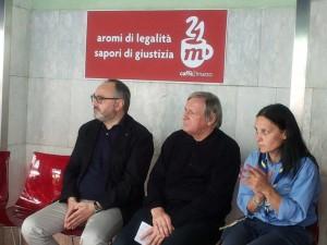 """«Il bar - ha detto Ilaria Sole - non è nostro, ma è della città»: al """"Caffè 21 Marzo"""" lavoreranno persone economicamente svantaggiate ed ex detenuti."""