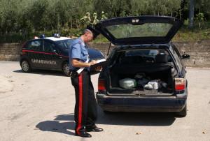 La Volkswagen Passat del caporale fermato a Pugliano: al suo interno c'erano otto braccianti marocchini