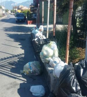 rifiuti via calvanese scafati 3