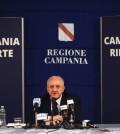 De Luca in conferenza stampa (foto Michele Amoruso)