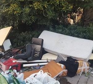 5 rifiuti pagani piazza sant'alfonso