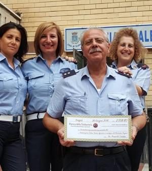 2-tenente-cataldo-con-alcune-vigilesse