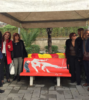 panchina-rossa-donne-salerno-3