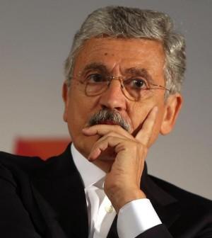 Massimo D'Alemaalla festa democratica del Pd milanese che si svolge presso il Carroponte di Sesto San Giovanni, 13 settembre 2013.  ANSA / MATTEO BAZZI