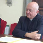 Nelle chiese di Salerno stop a segno della pace ed acquasantiere