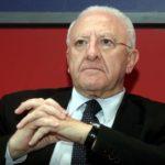 Sondaggio Tecnè, De Luca cala, Caldoro resiste
